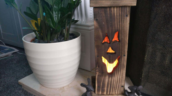 Jack-o'-lantern out of reclaimed wood